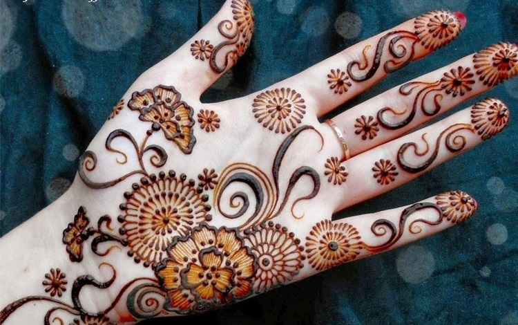 simplue front hand full mehndi design for palm