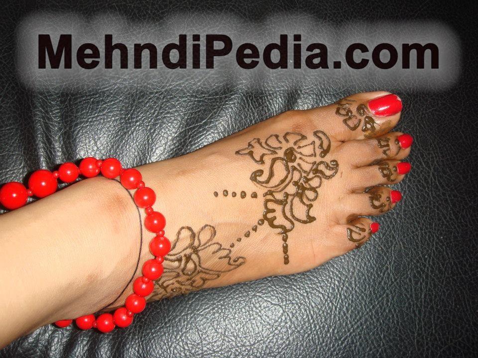 simple henna foot tattoo designs