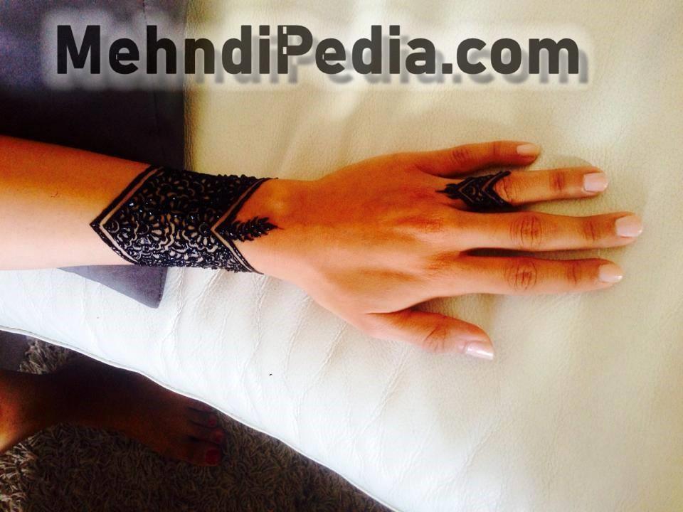 Hot mehndi designs for girls