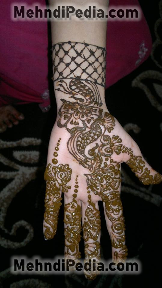cute fornt side henna designs