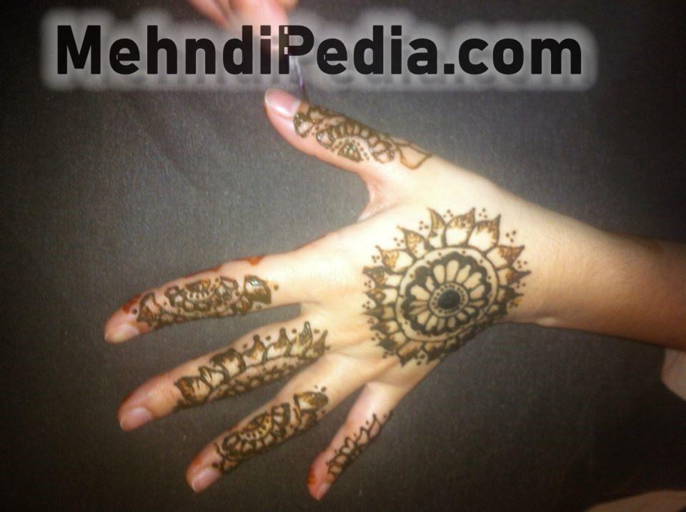 full back hand circle mehandi desines