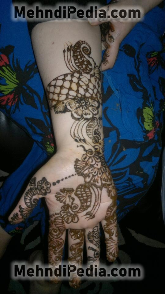 right front side arm mehndi designs easy