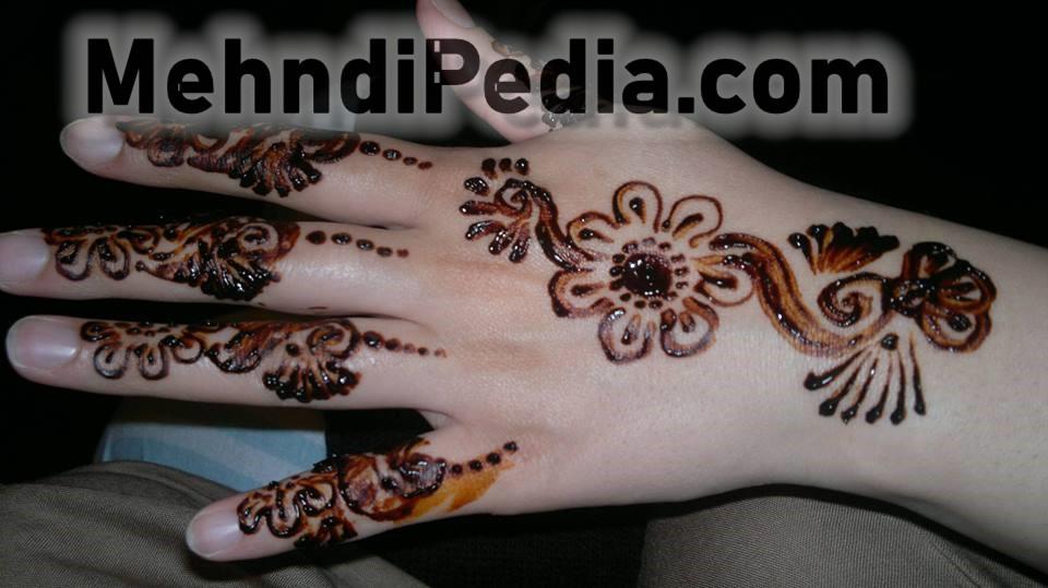 simple back hand henna designs