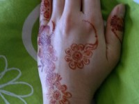 simple bridal back hand mehendi designs