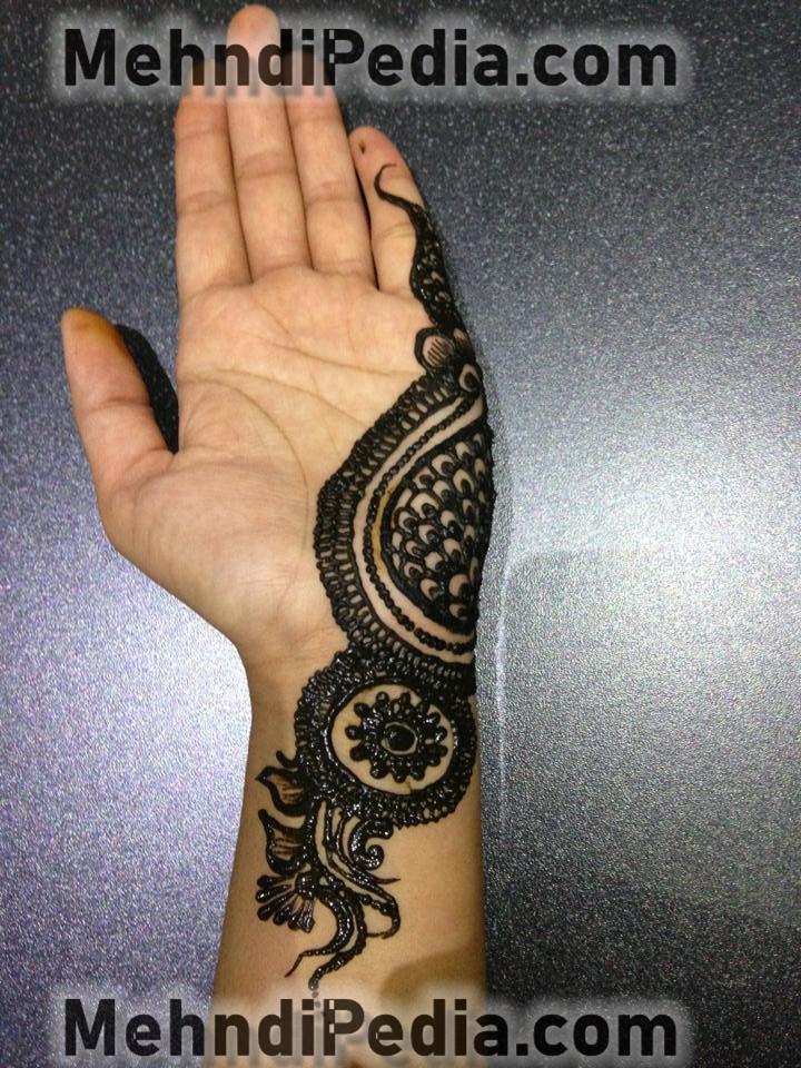 simple mehndi design for left hand front side step 1