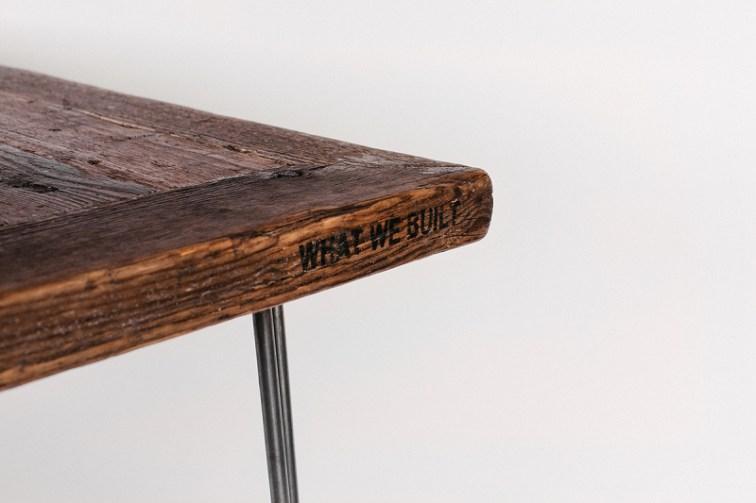 Tisch aus Hairpin Legs und Altholz (Gerüstbaudiele)