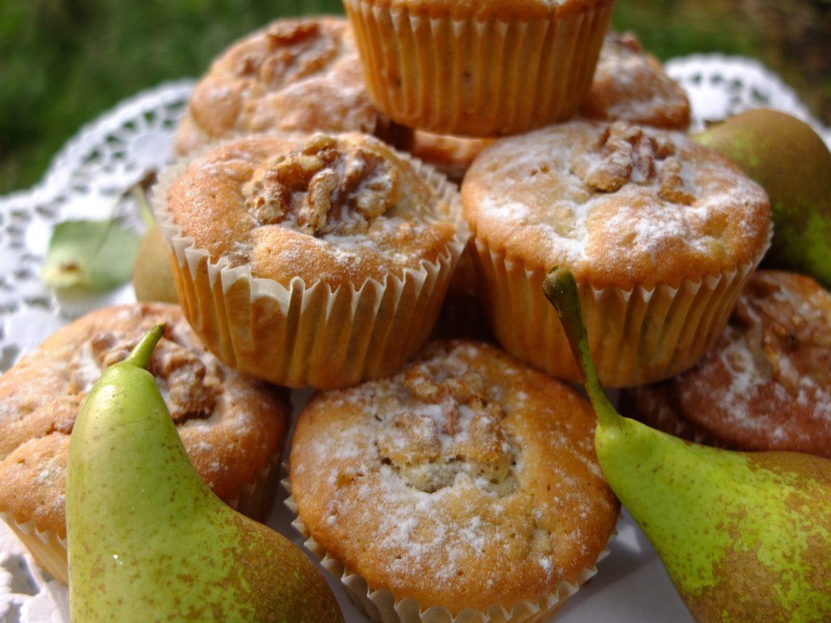 Birnen-Zimt-Muffins mit Walnüssen
