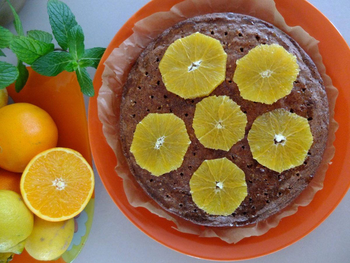 Saftiger Orangen-Polenta-Kuchen (glutenfrei)