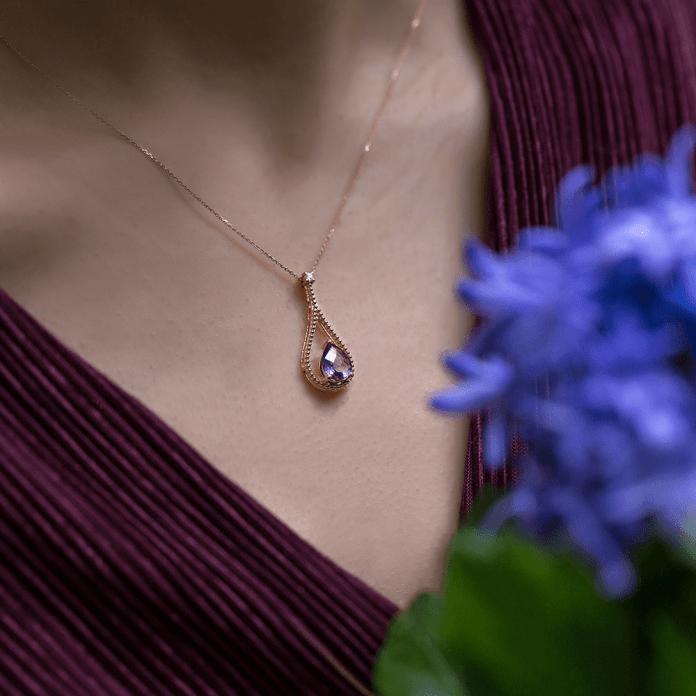 Kendini Değerli Mücevherler ile Şımart!