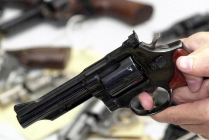 Tragédia: criança se mata com a arma do pai