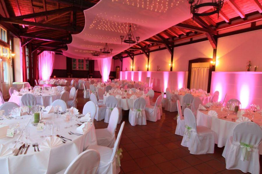 Hochzeit im Landgasthof Saalburg in Bad Homburg v d Hhe  Hochzeiten  Feiern