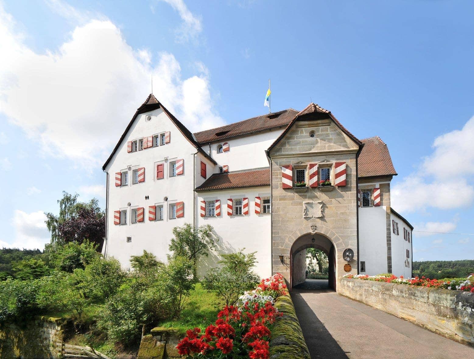 Hochzeit auf Schloss Henfenfeld in Henfenfeld  Hochzeiten