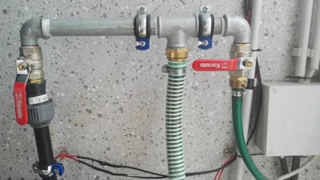 Bau einer Wasserverteilung in der Gardena Wasserpipeline