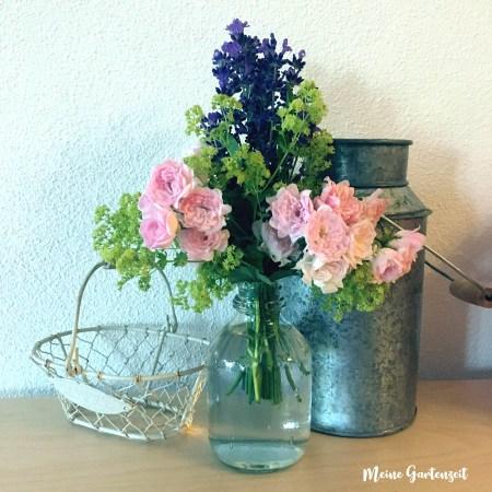 Strauß klassisch, Lavendel, Frauenmantel, Rose