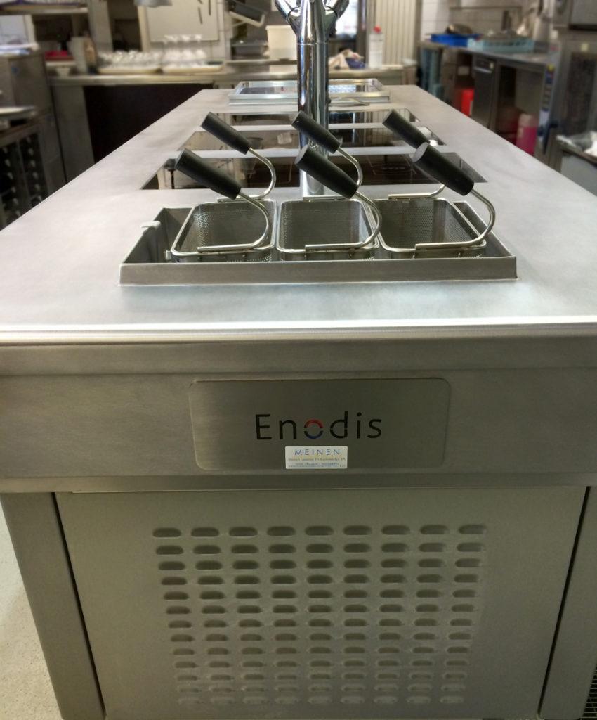 Installation d'un fourneau Enodis | Meinen Cuisines Professionnelles SA