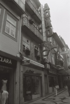adao-oculista-urban-typography-porto