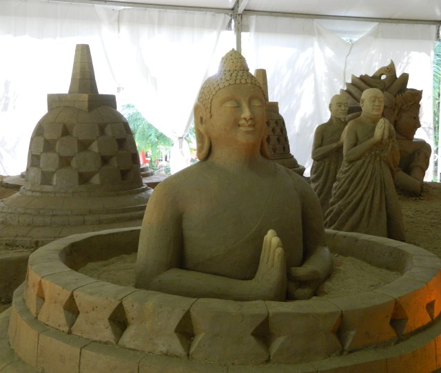 What Make Me Disappoint Is That There Is No Indonesian Artist Who Join In This Festival Even The Artist Who Made The Indonesias Sculpture Are From Other