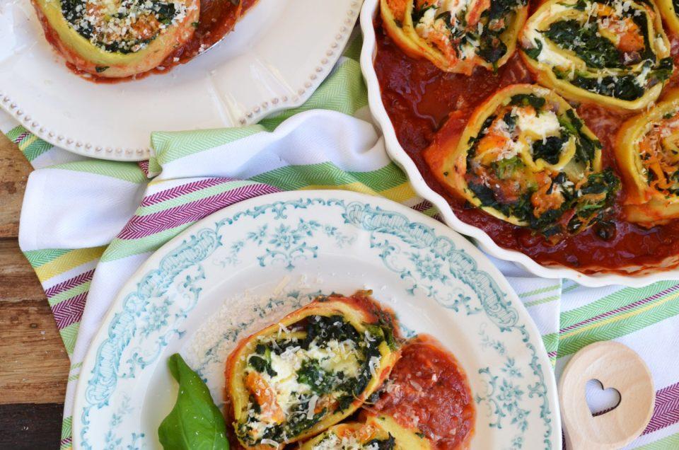 vegetarisch k stlich k rbis spinat rotolo mit tomatensauce. Black Bedroom Furniture Sets. Home Design Ideas