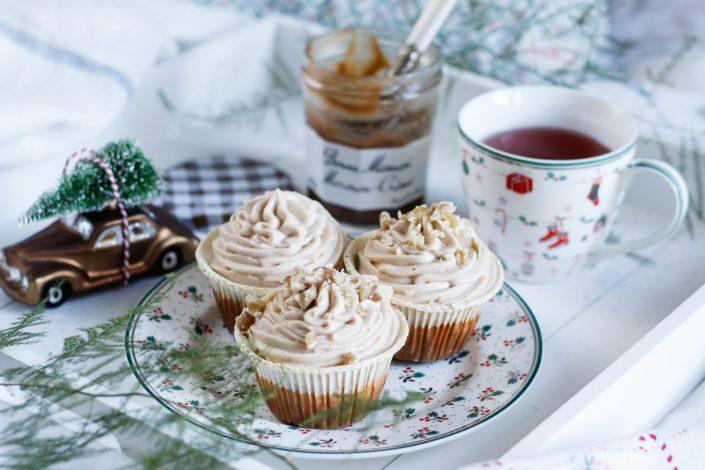 LEISE RIESELT DIE VORFREUDE AUF WEIHNACHTEN! Saftige Kürbis Cupcakes mit Maronicreme