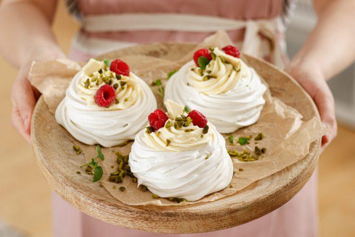SÜSSE OSTERNASCHEREI FÜR ALLE NESTHOCKER! Meringue Osternestchen mit weißer Schoko-Zitronencreme & meine Liebe zu VIVANI