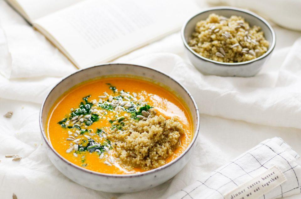 HIMMLISCHE SONNENSUPPE! mit Karotten, Paprika und Kurkuma & Sonnenblumen-Quinoa und Petersilienöl