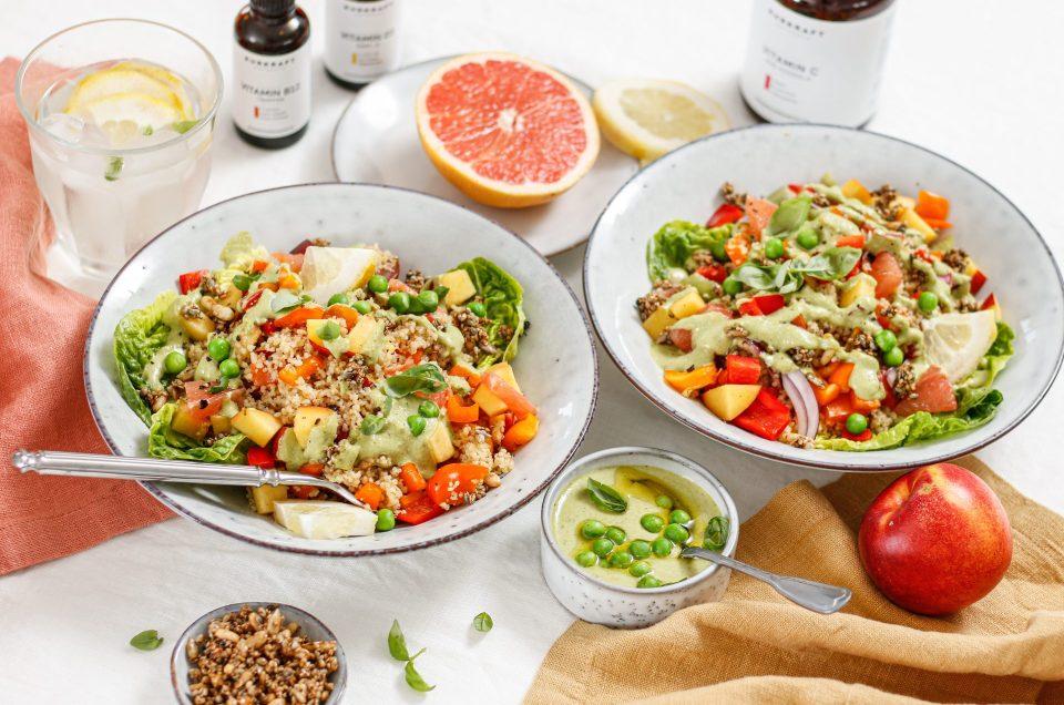 FRUCHTIG, BUNT & GESUND IM JULI! Sommerlicher CousCous-Salat mit Nektarinen und Erbsen-Basilikum-Dressing