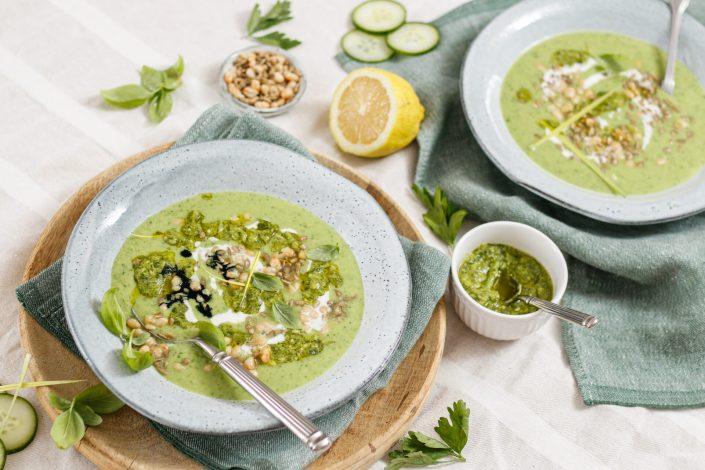 UNSER TÄGLICHES CHLOROPHYLL! Grüne Power-Suppe mit grüner Zaubersauce + Kurkraft Naturals Empfehlung