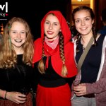 maerchenhafte-party-nacht-in-sallneck-grimms-night-rotkaeppchen-mit-freundinnen-meinwiesental
