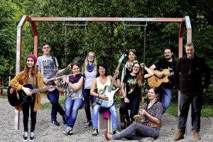 musikerlebnis-soll-kindern-freude-schenken-gruppenbild-2015