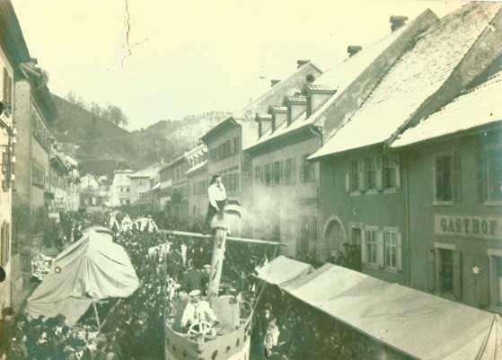 Zeller Fasnachtsumzug im Jahr 1908 - Archiv Uli Merkle