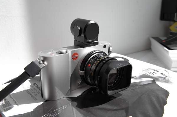 Leica_T