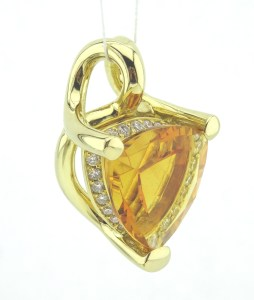 0,33 ct Brill. TW/Si Citrin 7,94 ct. EK 1068 VK 2690 750 ges.G. 11,0g
