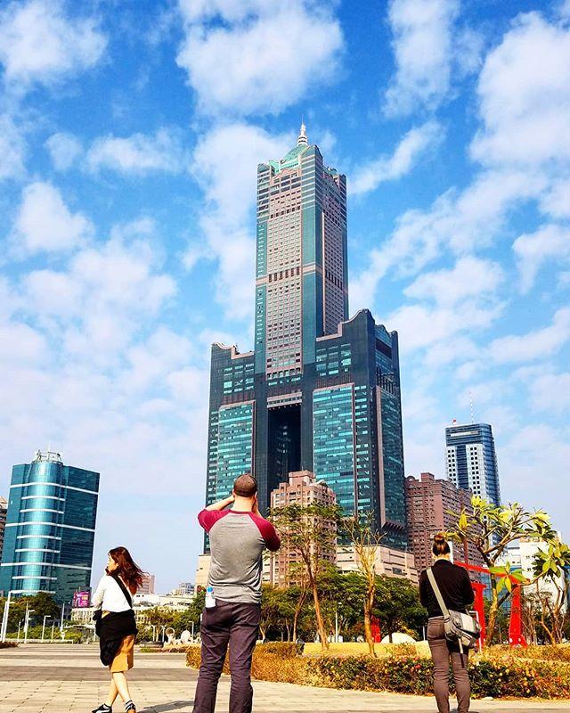 #85大樓 #skytower #kaohsiung #taiwan #高雄 #臺灣 . . #photooftheday #picoftheday #travelblogger #traveltaiwan #travellife #travel # ...