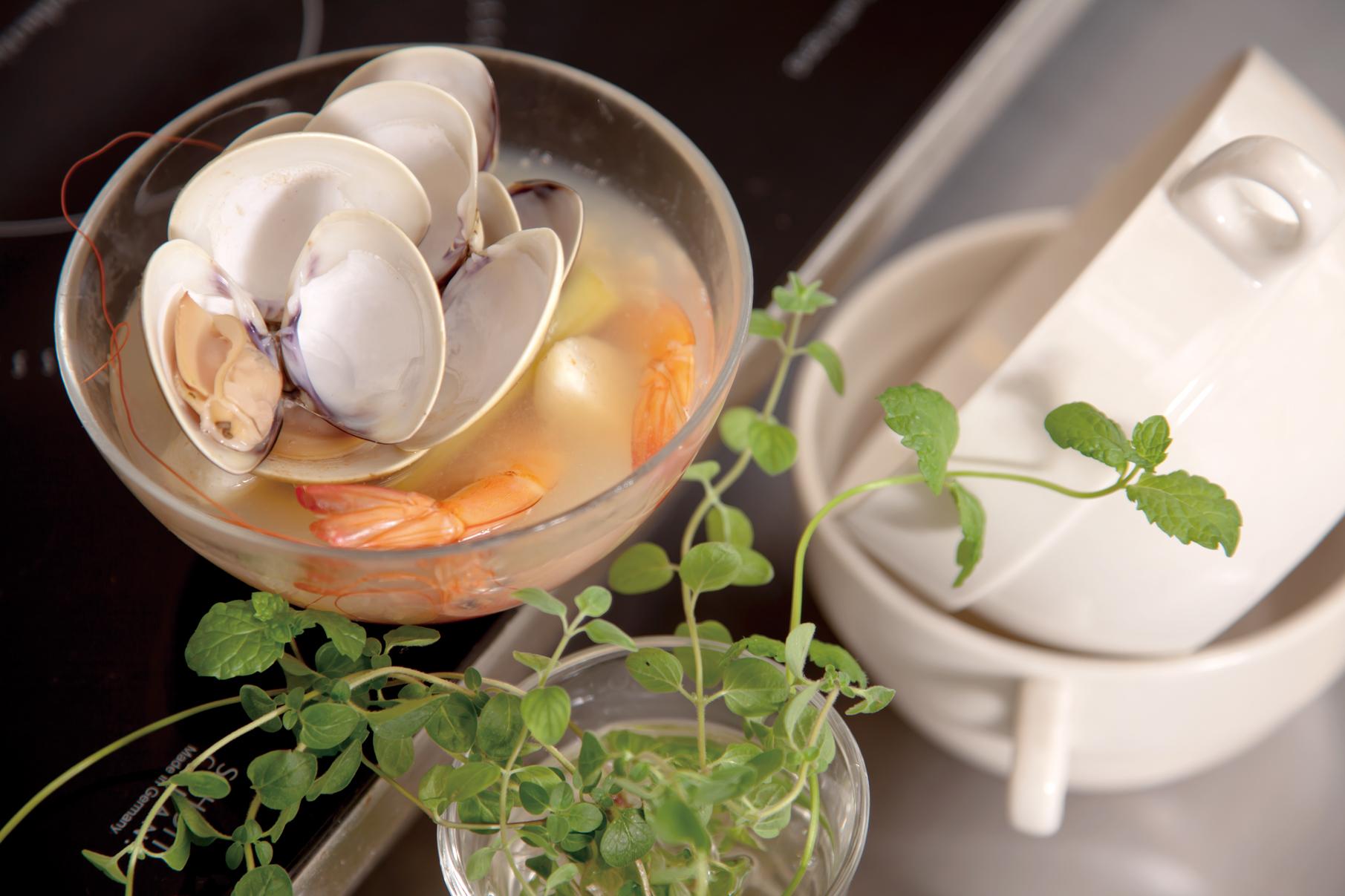 【香茅馬蹄海鮮湯】 – meiweixhiyuan 美味之緣