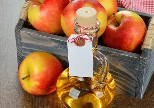 Vinagre de manzana para los pies secos