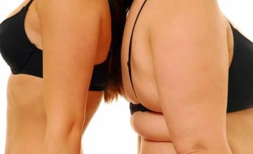 Dos mujeres de espaldas