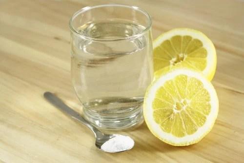 Agua con limón y sal