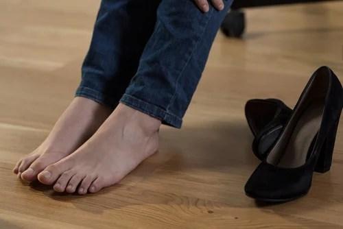 pies con retención de líquidos