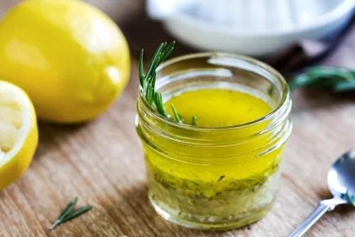 Jugo de limón y aceite de oliva
