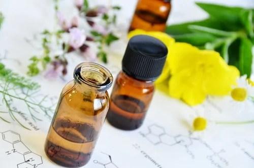 Masaje con aceite de onagra