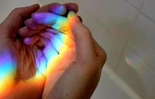 arco-iris-manos