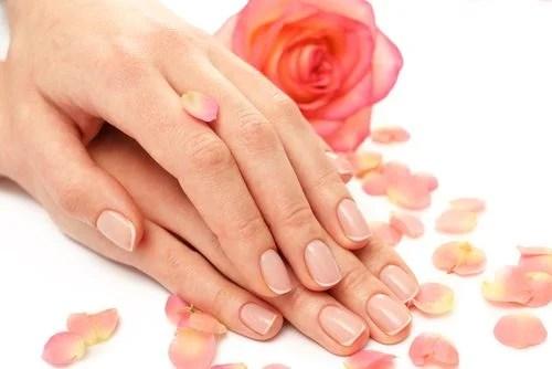 """Recetas naturales para tener """"manos de seda"""""""