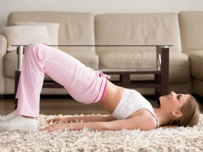 Elevaciones de cadera como ejercicio para cuidar los huesos