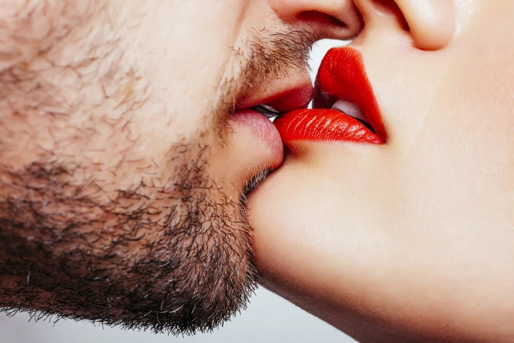 Consejos para lograr un orgasmo con un beso