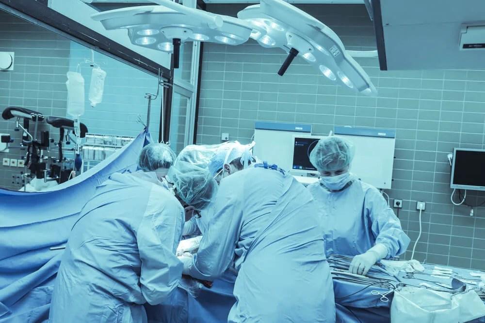 Cirugía y radioterapia