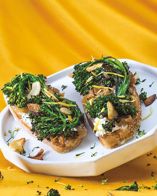 Broccolini Tartine
