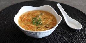 Sopa picante y agria del chef John