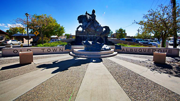 Best areas to stay in Albuquerque- Plaza Vieja and New Mexico Museum