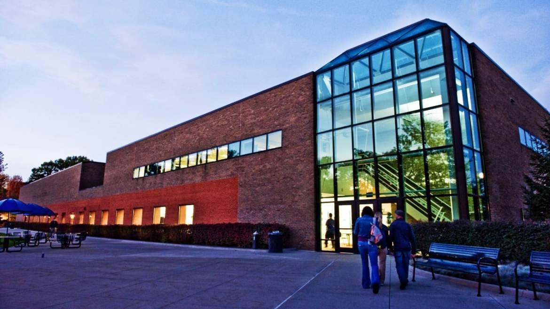 Dónde alojarse en Detroit - Cerca de la Universidad de Michigan Dearborn