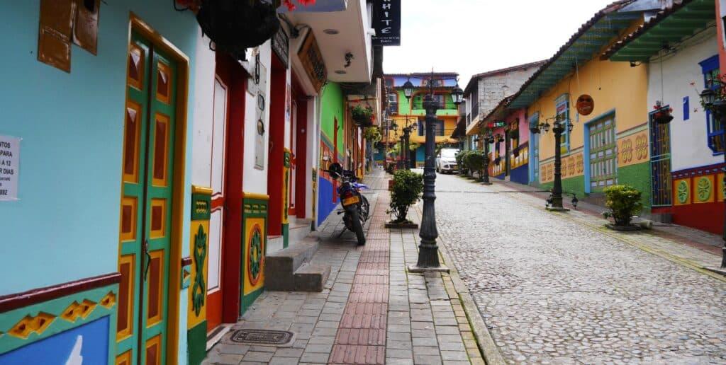 Dónde hospedarse en Guatapé, Colombia - Centro de Guatapé pueblo